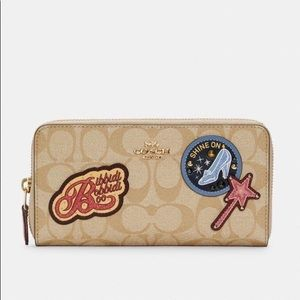 NWT COACH Disney Accordion Zip Wallet Signature